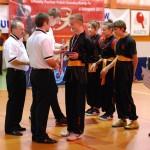 AMW_Choy Lee Fut Polska_III Festiwal Chińskich Sztuk Walki, Puchar Polski Kung Fu/Wushu 6.11.2011 Kraków_Bartosz Oramus_dekoracja medalowa