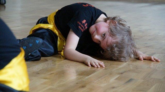 AMW_centrum choy lee fut_trening  form_rozgrzewka1