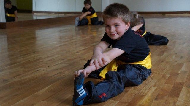 AMW_centrum choy lee fut_trening  form_rozgrzewka2
