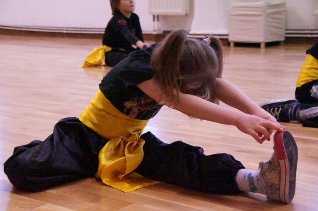 AMW_centrum choy lee fut_trening  form_rozgrzewka