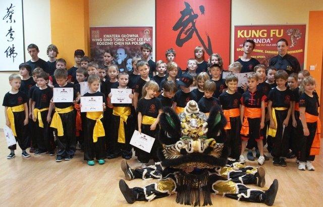 AMW_egzaminy na wyższe stopnie_młodzi adepci kung fu
